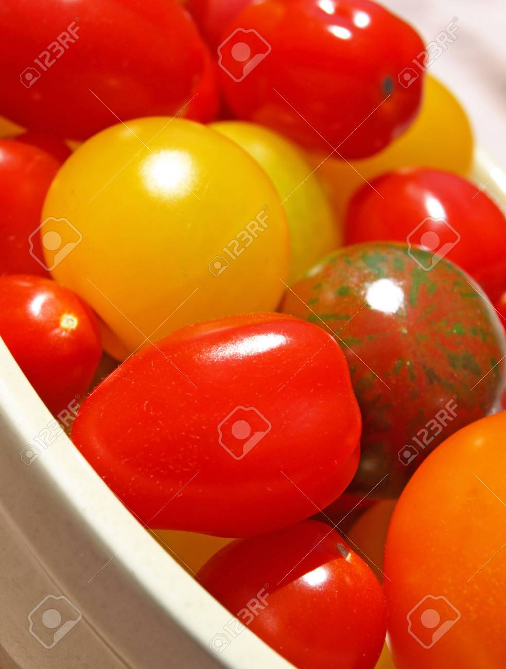 Tomatoes in dish Stock Photo - 5205822