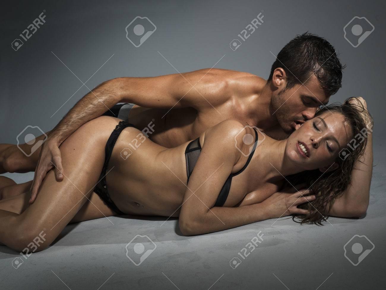 Hombres haciendo el amor com una mujer [PUNIQRANDLINE-(au-dating-names.txt) 51