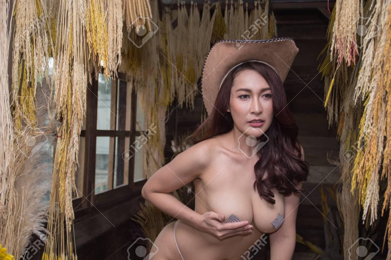 Sexy nackte junge samoanische Mädchen