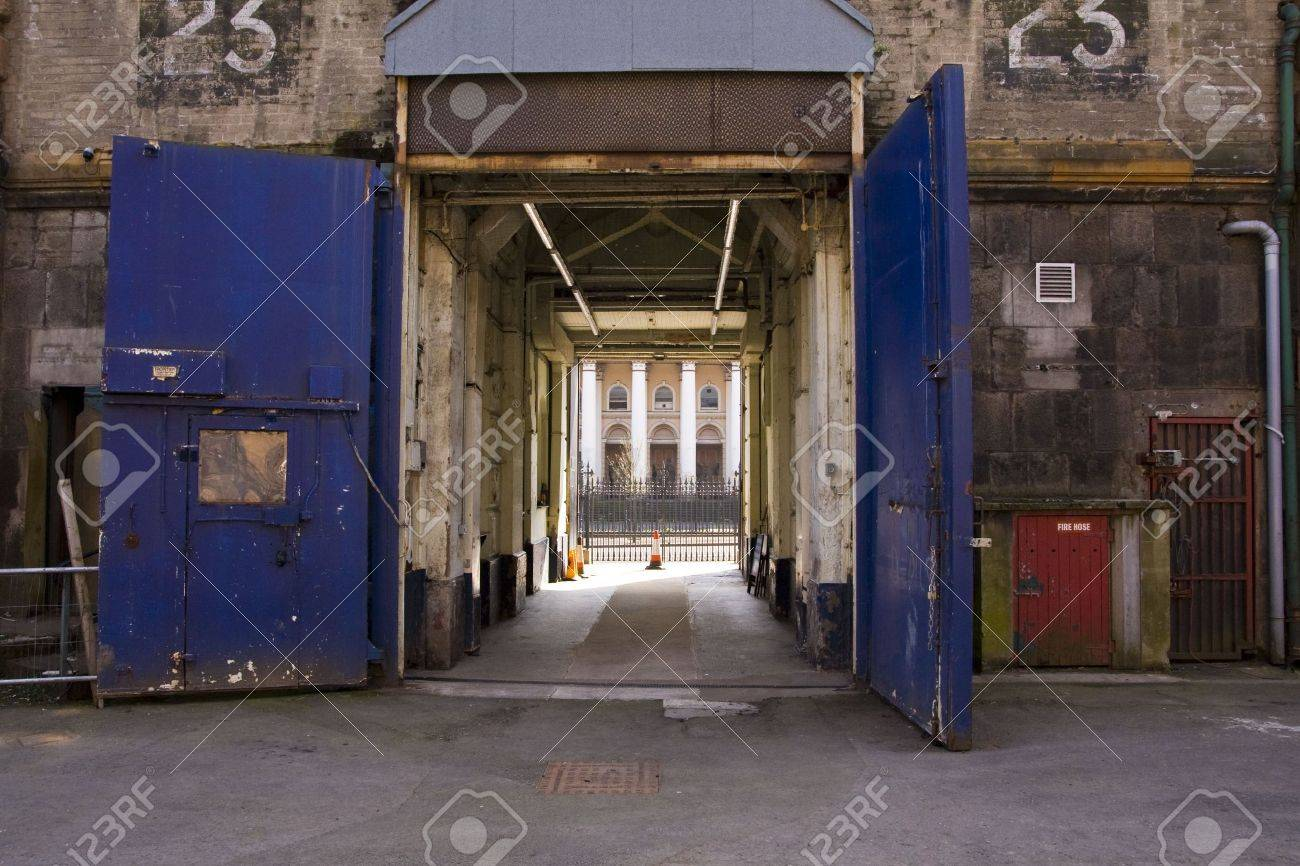 Inner doors of Crumlin Road jail in Belfast looking out to the Crumlin Road courthouse Stock & Inner Doors Of Crumlin Road Jail In Belfast Looking Out To The ...