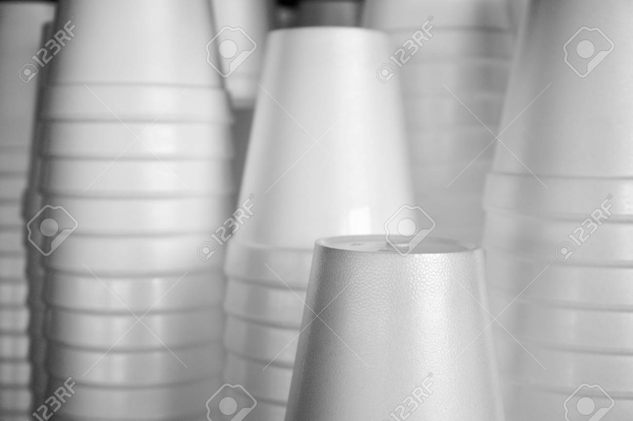 Stack of plastic cups - 85463846