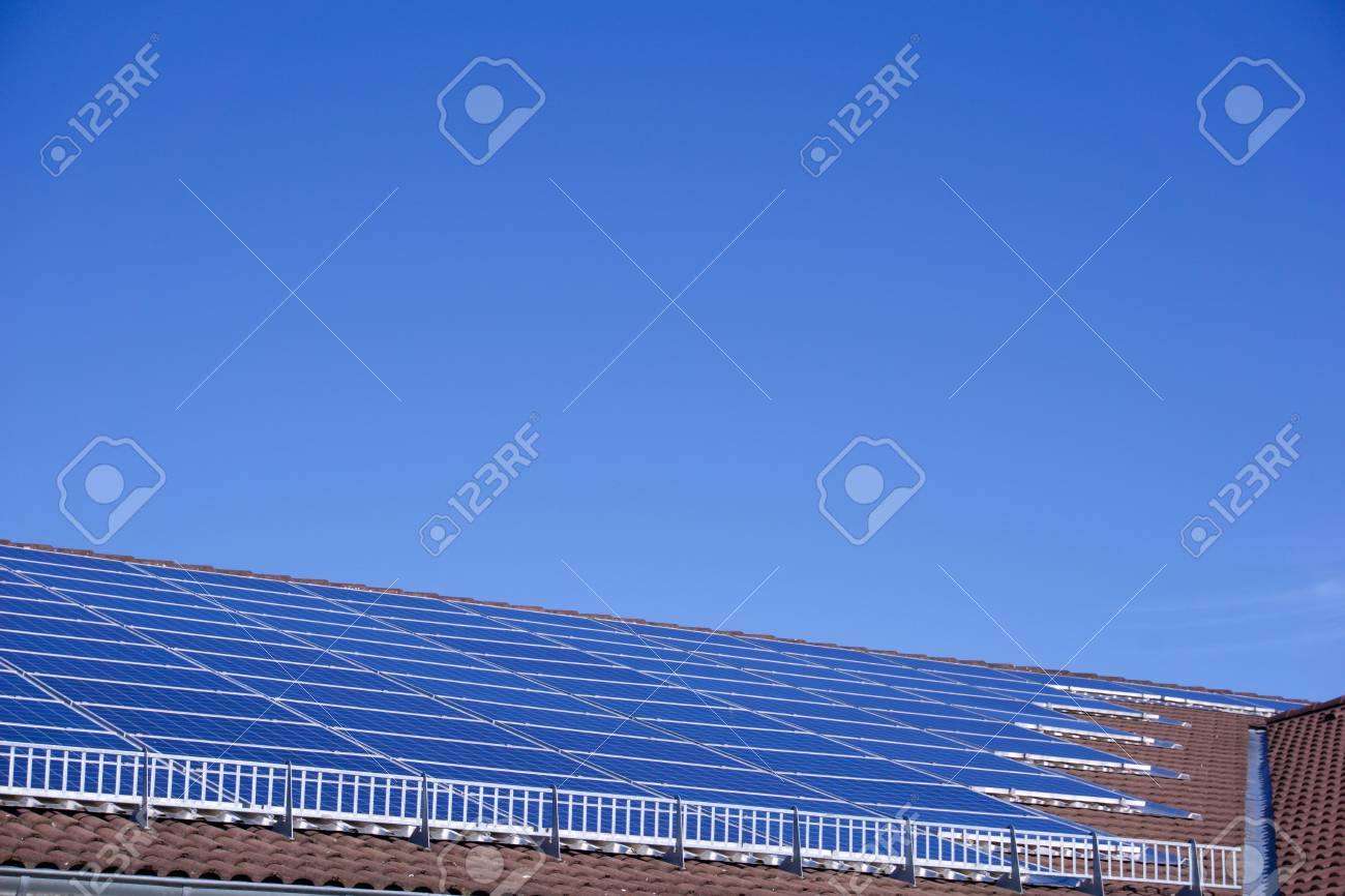 Photovoltaic panels on the roof of a supermarket with copyspace - 91967850