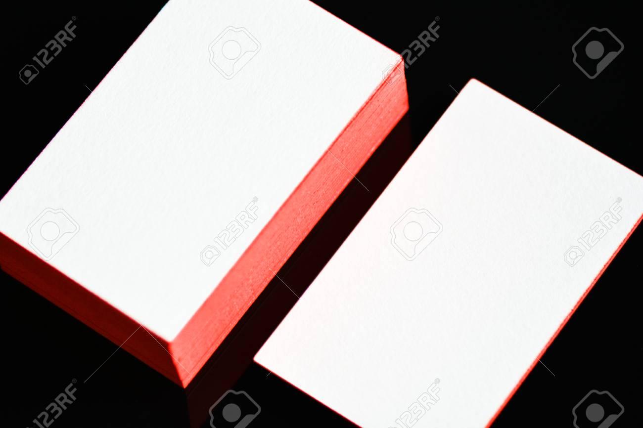 Carte De Visite En Papier Coton Blanc Pais Mock Up Avec Des