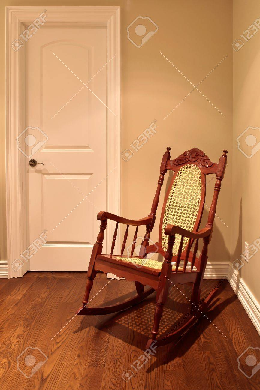 Awe Inspiring Rocking Chair In The Corner Of The Room Download Free Architecture Designs Rallybritishbridgeorg