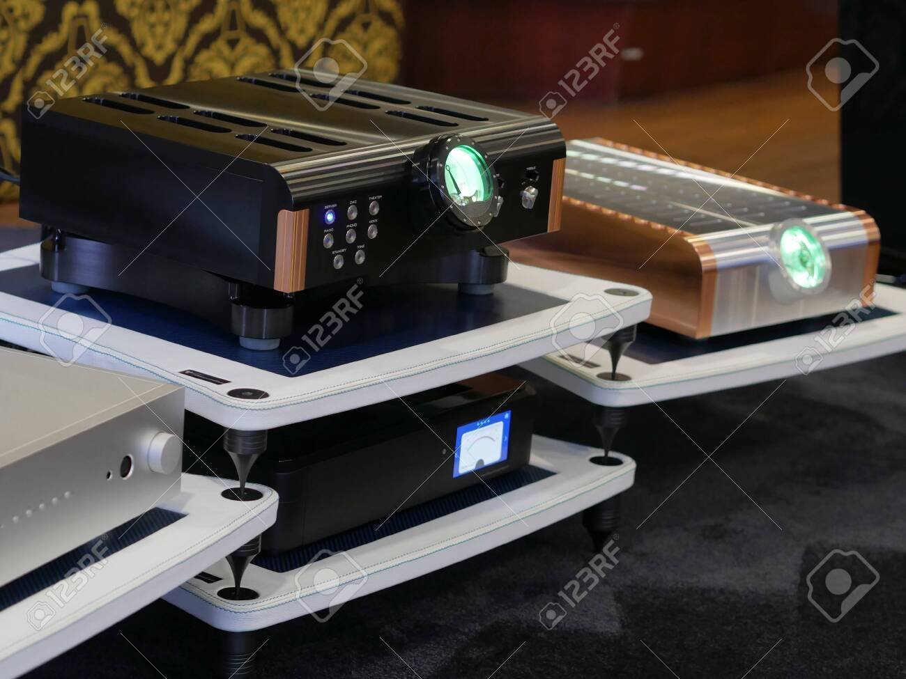 Audiofil HiFi tube amplifier. Equipment for listening to quality music. - 141279031