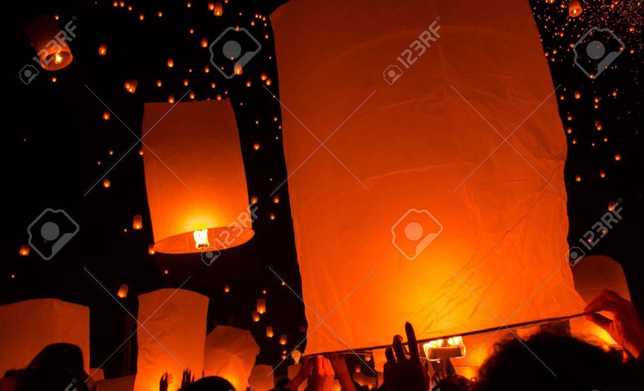 Floating lantern in Yee Peng festival, Buddhist floating lanterns to the Buddha in Sansai district, Chiang Mai, Thailand. - 23770892