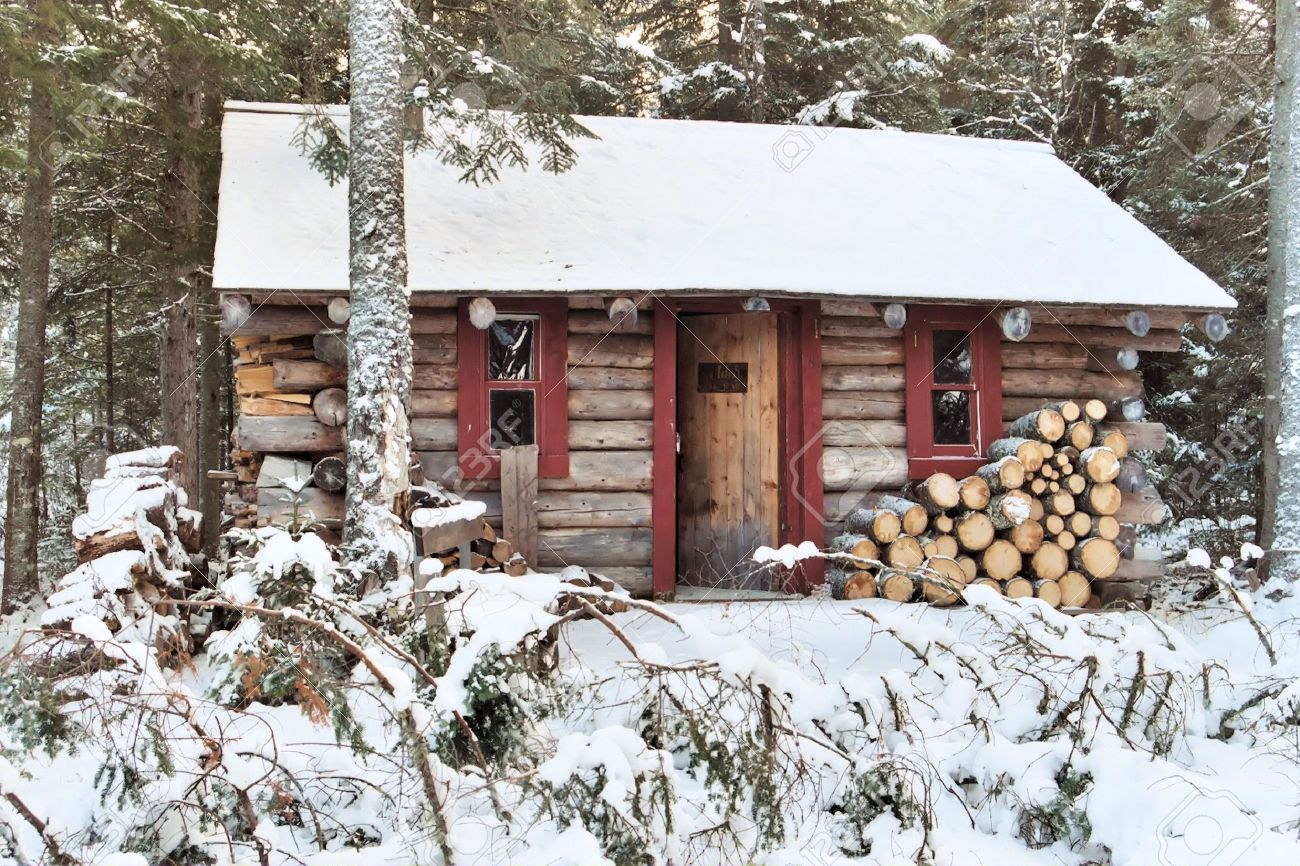 Log cabin in the woods winter - A Log Cabin In The Woods During The Winter Seaso Stock Photo 4065710