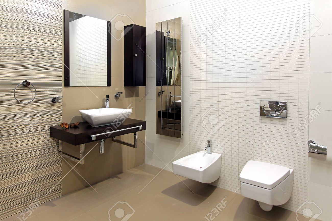 Modern Bathroom Interior With Classic Ceramic Fixtures Stock Photo    12662150