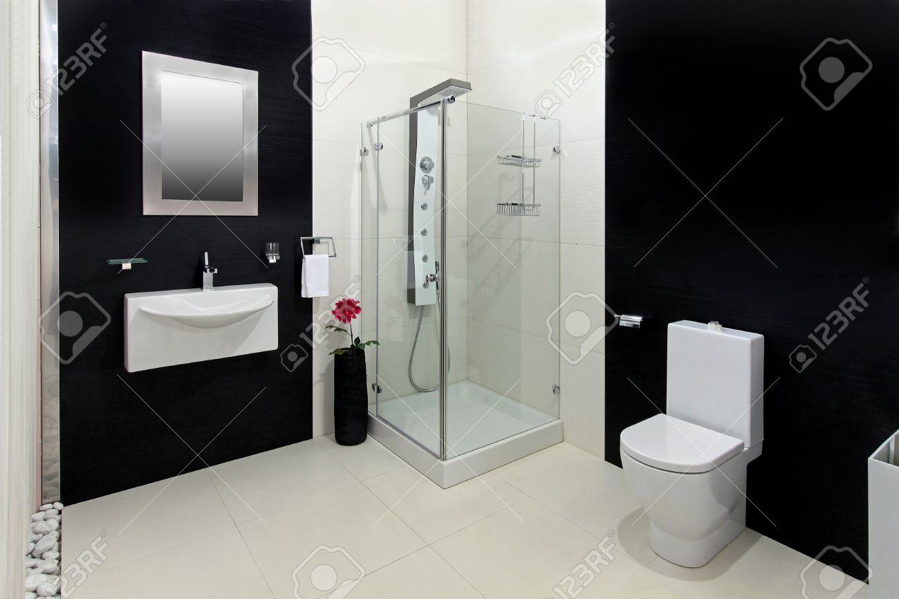 Piastrelle bagno nere gallery of come arredare casa in bianco e