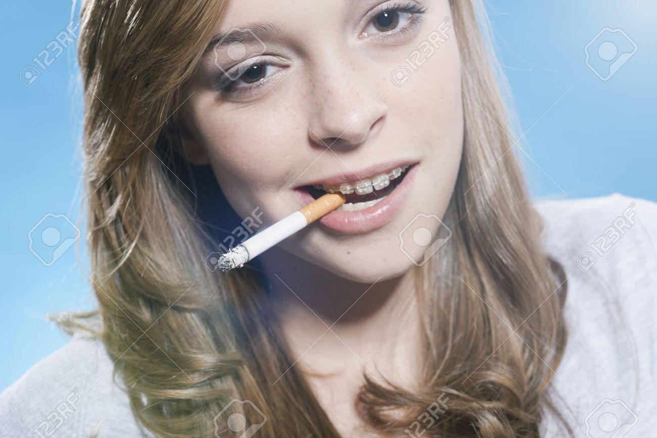 little-naked-girl-smoking-disney