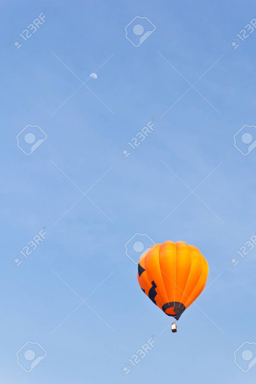colorful hot air balloon against blue sky Stock Photo - 8820346