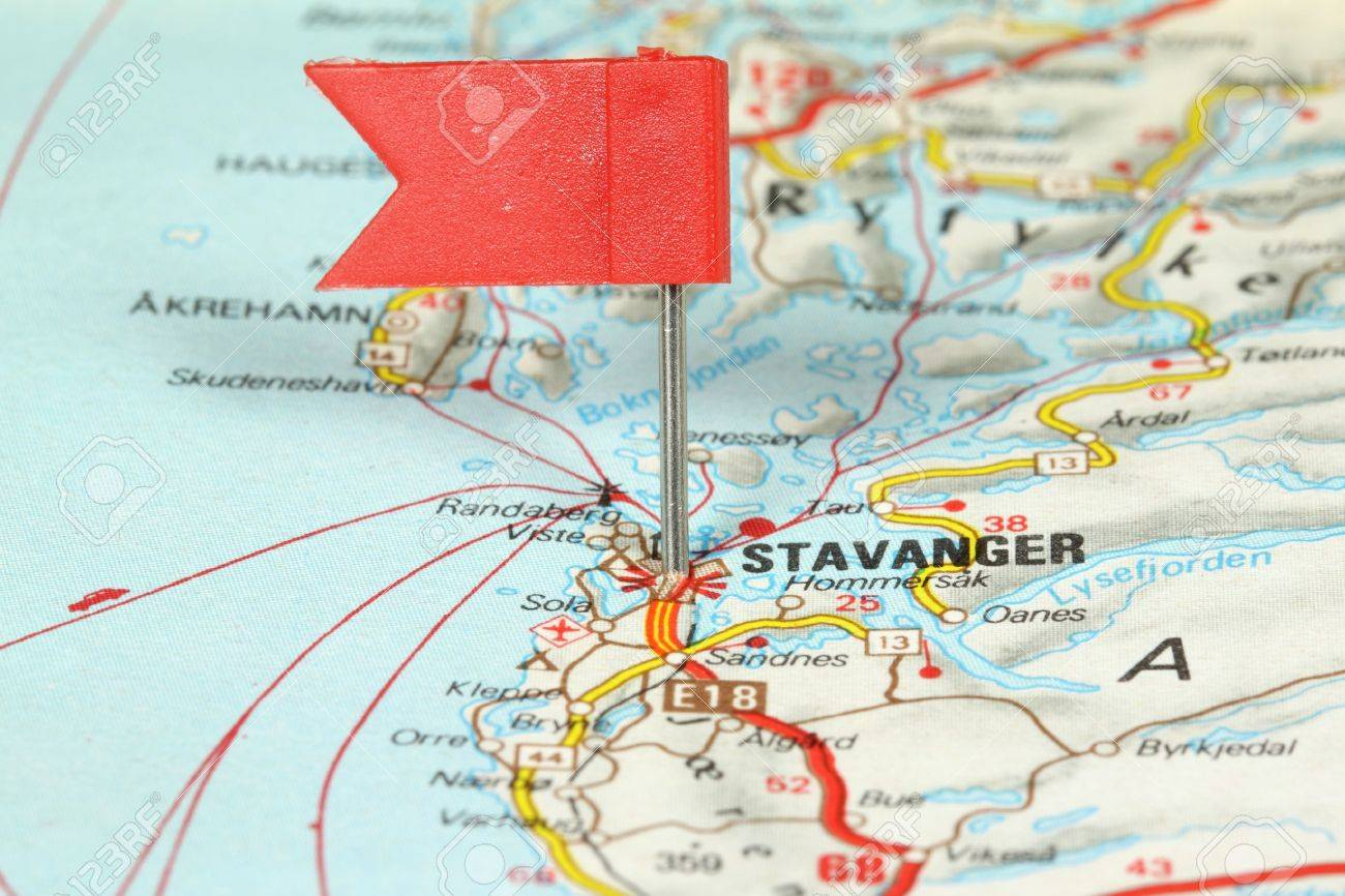 Stavanger Famous City In Norway Red Flag Pin On An Old Map - Norway map stavanger