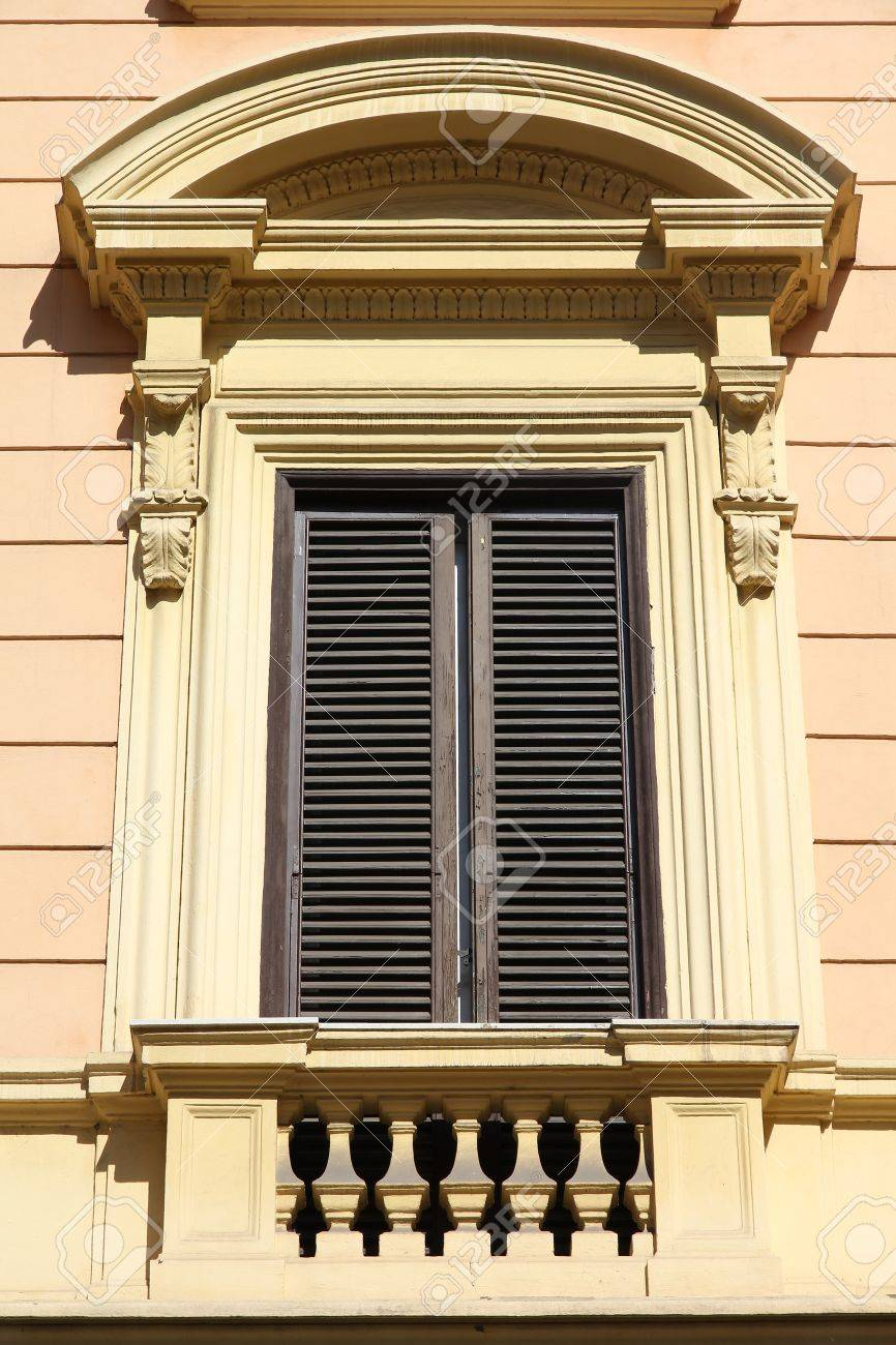 Rome Italy Architectural Feature In Historical Building Old - Building architectural windows