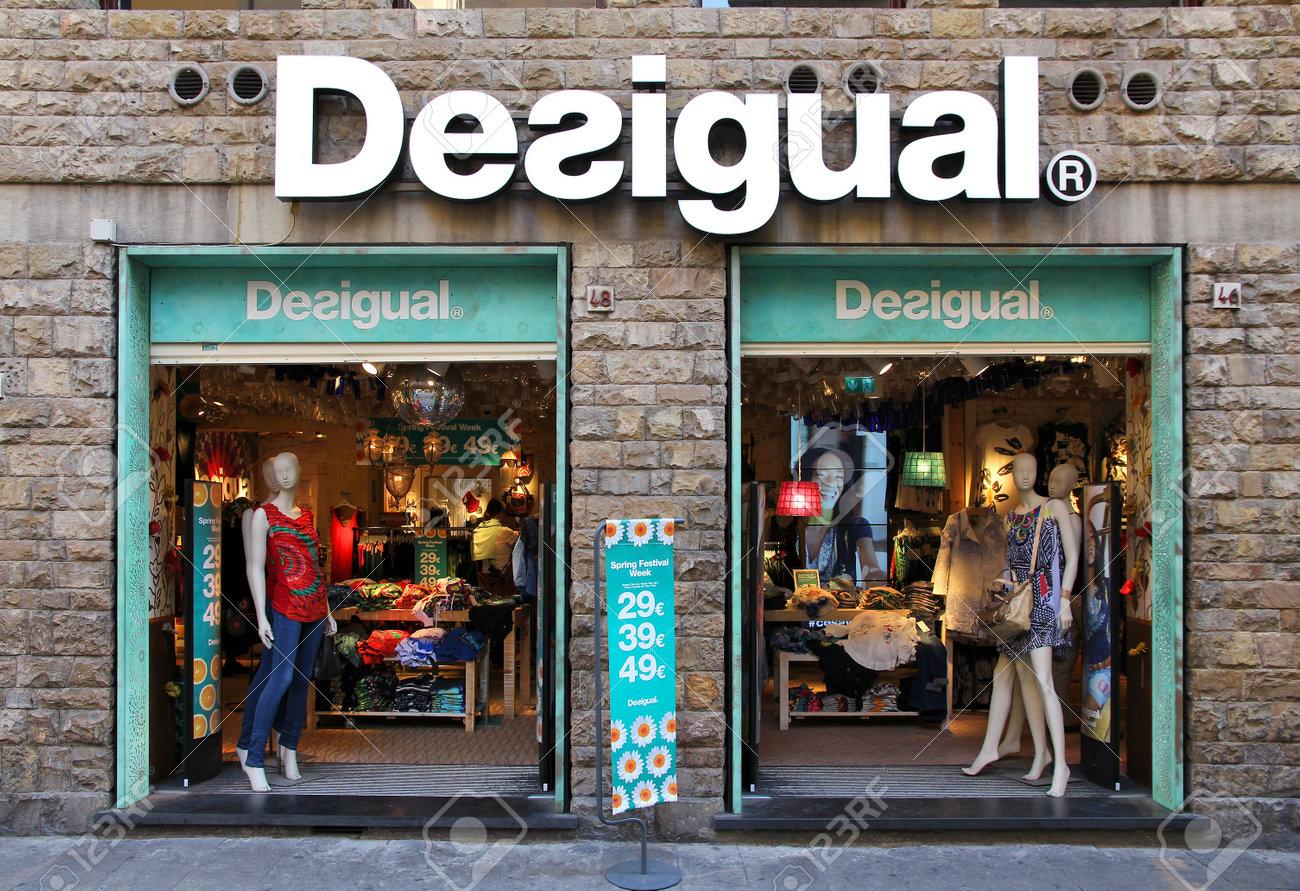 am modischsten offizieller Shop preiswert kaufen FLORENCE, ITALY - APRIL 30, 2015: Desigual fashion store in Florence...