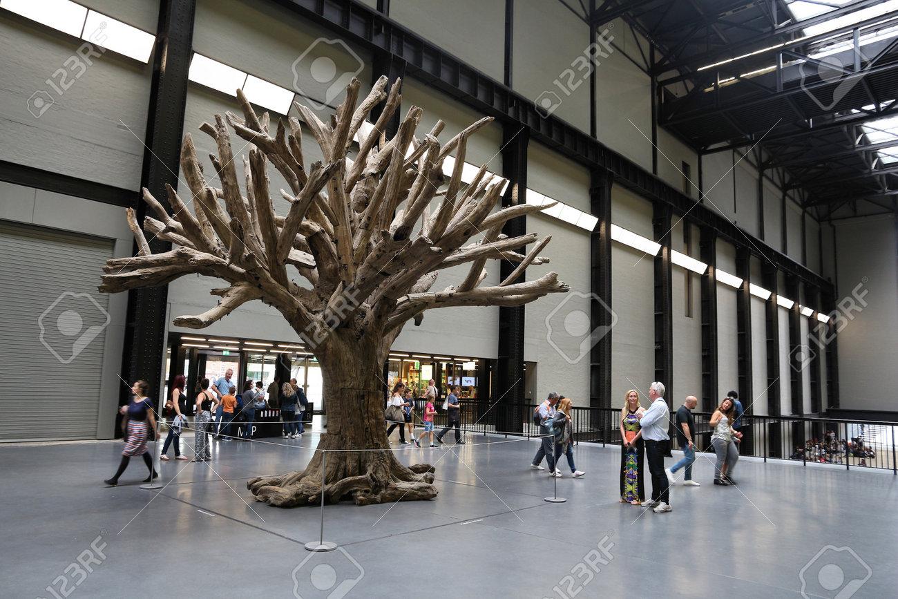 London Uk July 8 2016 People Visit Tate Modern Gallery In
