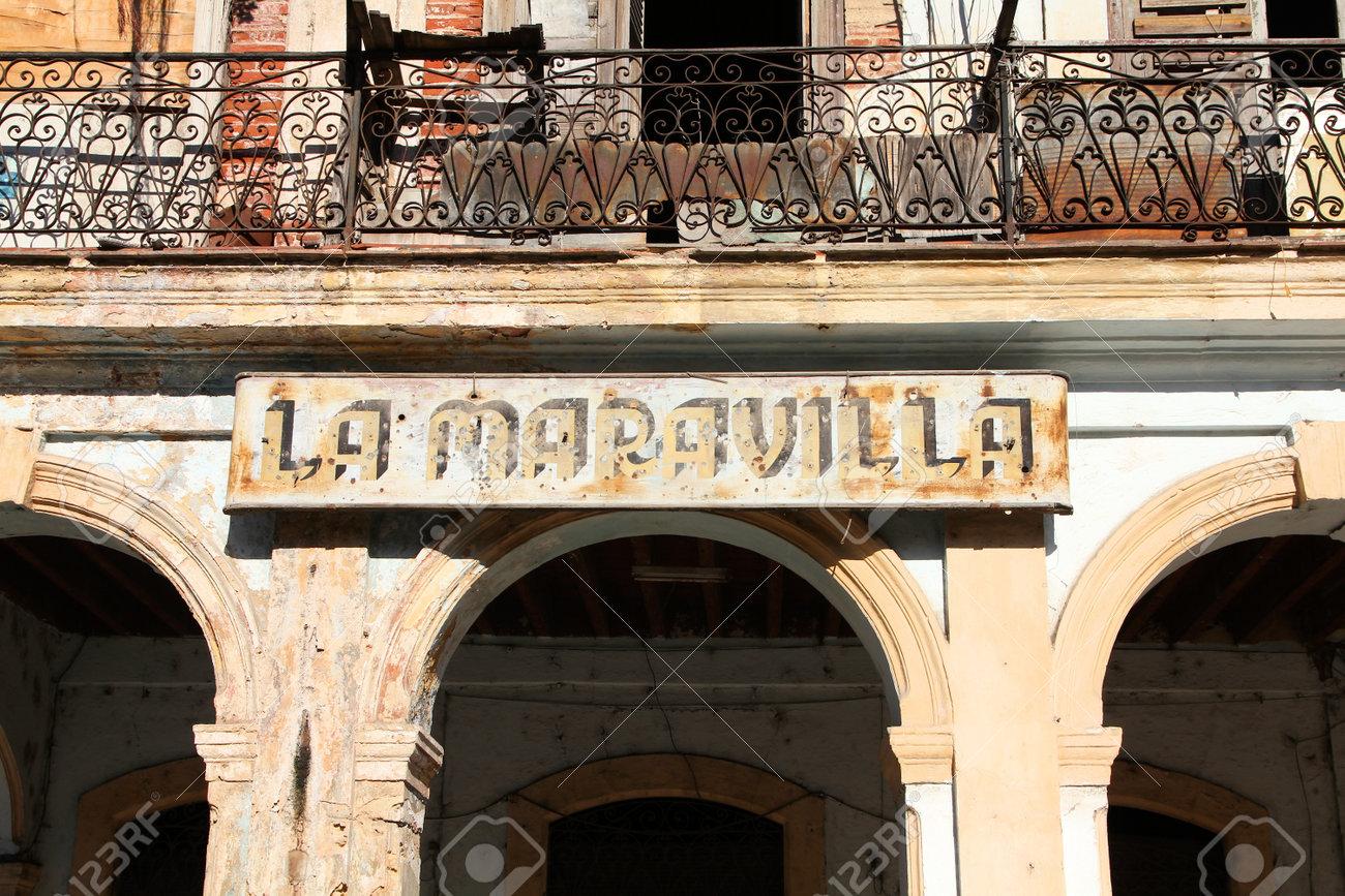 la havane, cuba - 23 février 2011: signe de la boutique vintage à la