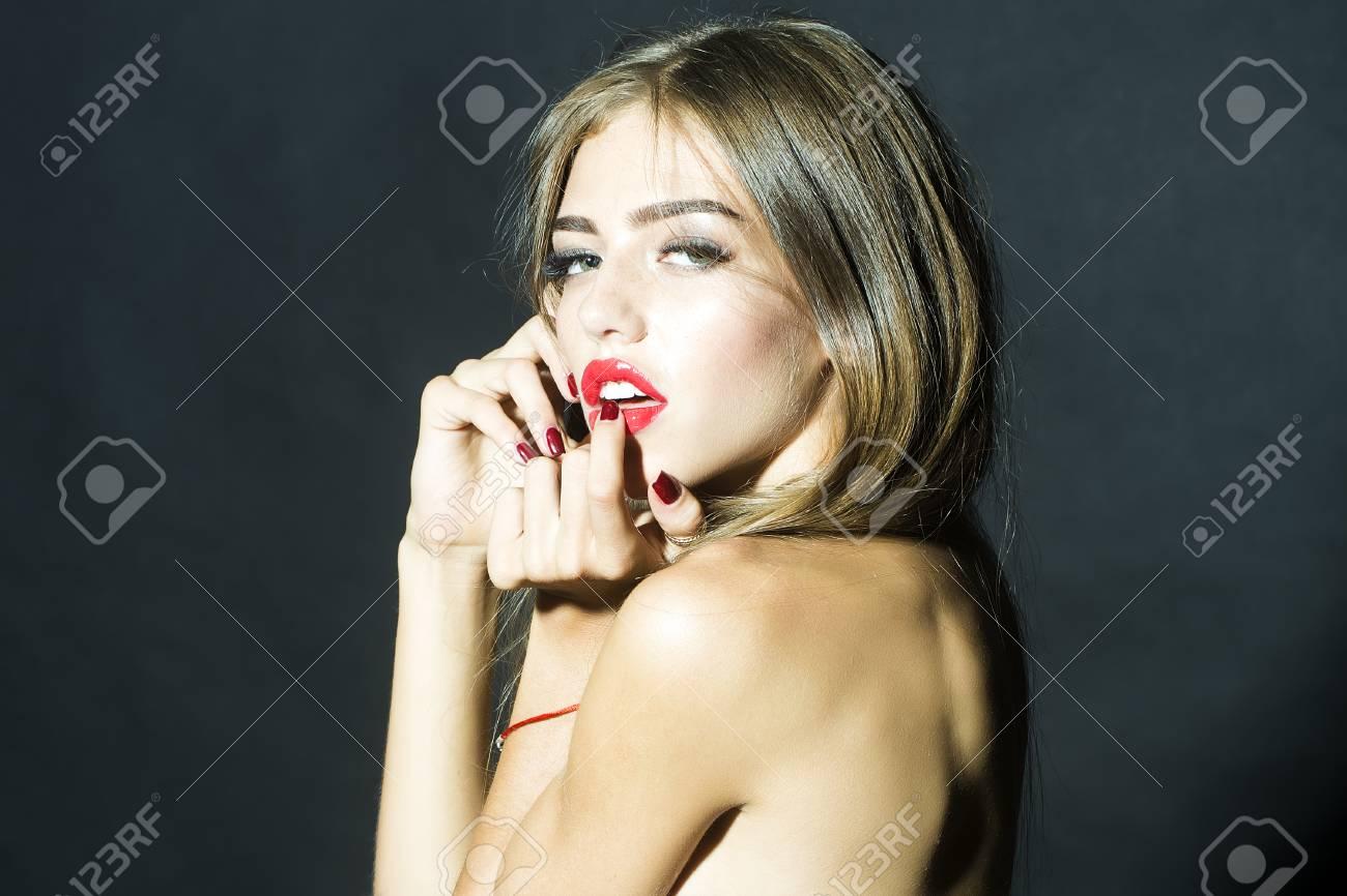 curvy girl beautiful naked
