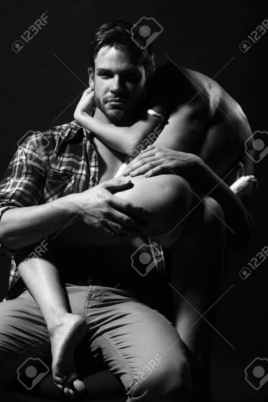 Bilder von sexy schwarzen Männern mit großen Hintern nackt
