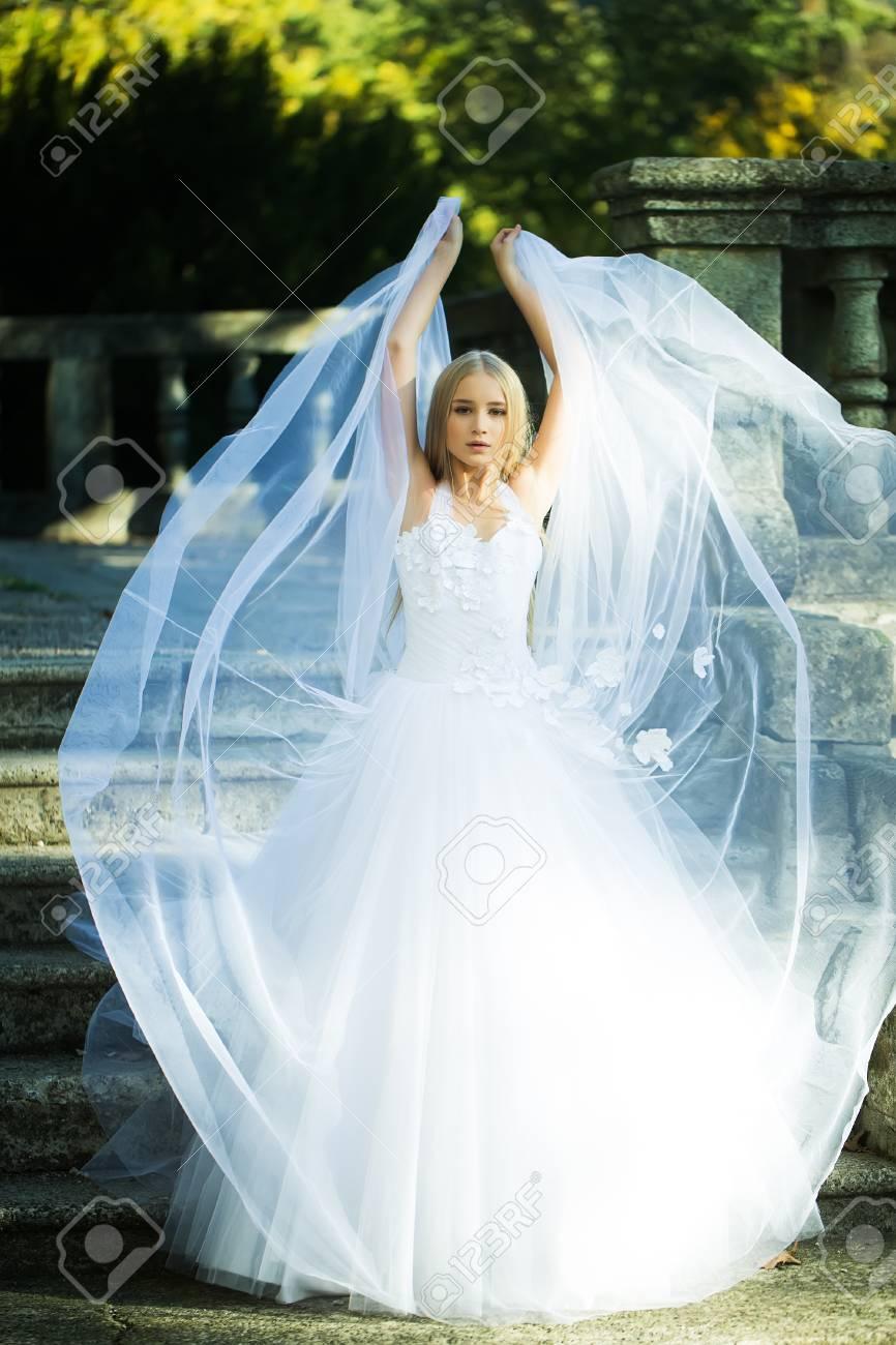 Exelent Kerry Katona Wedding Dress Image - All Wedding Dresses ...