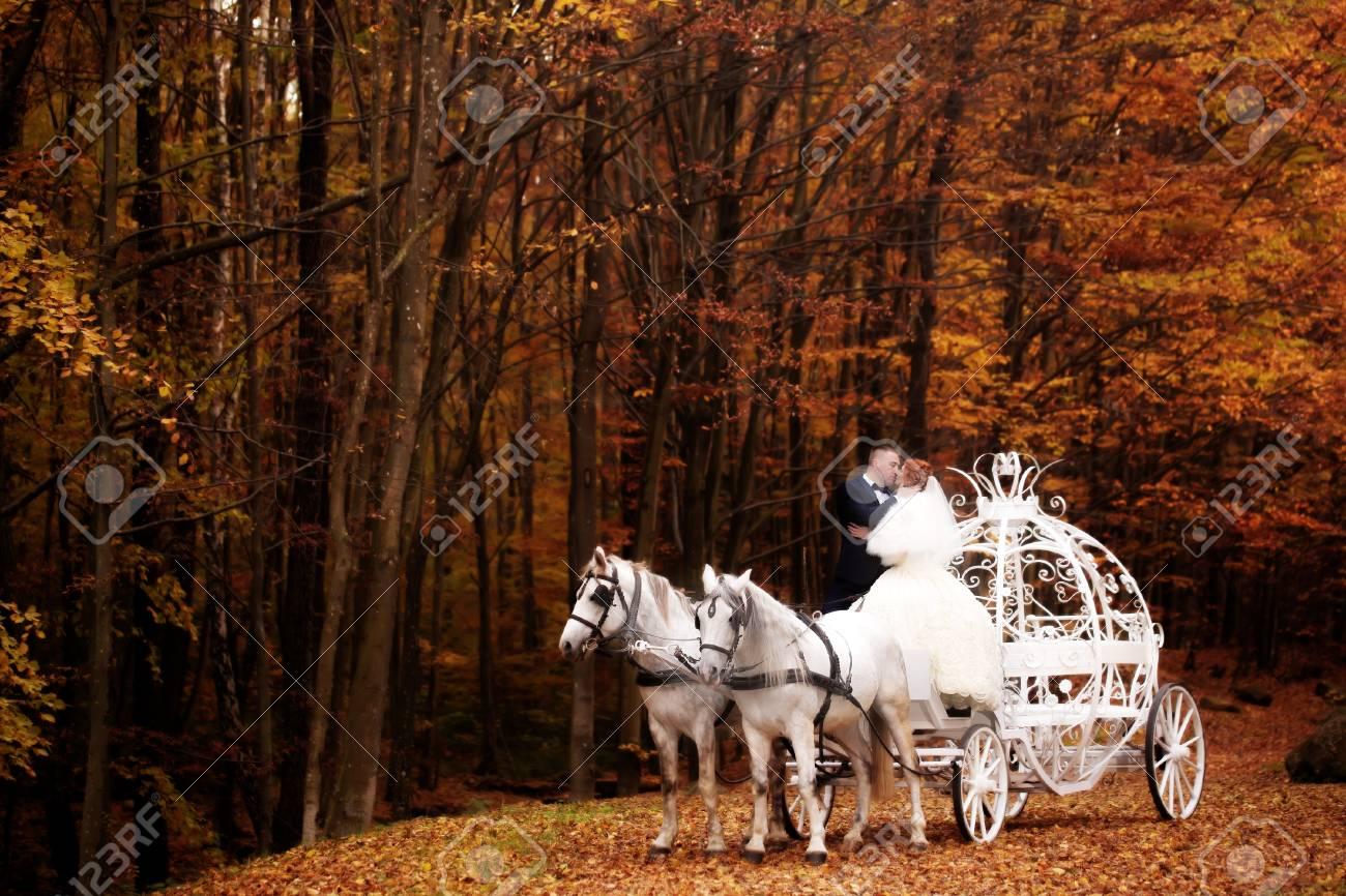 55504525-boda-de-la-joven-pareja-rom%C3%
