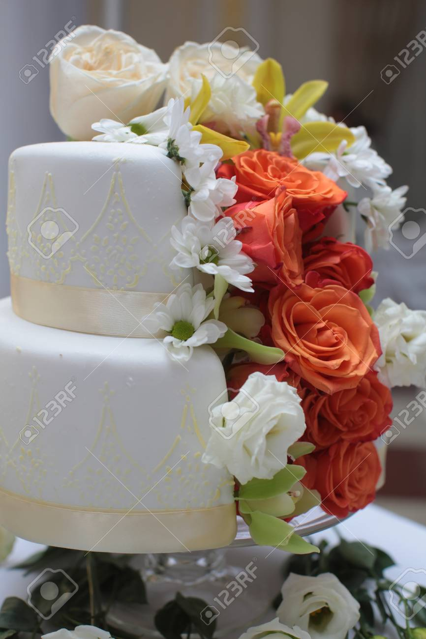 Beautiful Cake Two Layer Traditional Birthday Wedding Delicious
