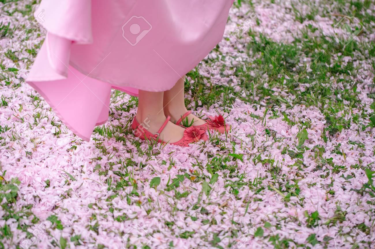 Vestido verde hierba zapatos