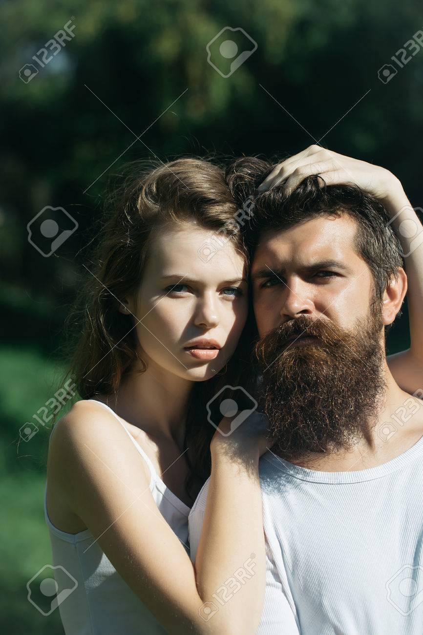 Mit haaren langen bart männer und Beste Frisur