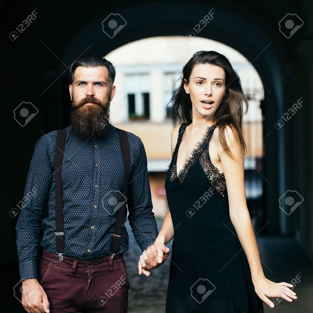 Grupo encanto tengo una muрів±eca vestida de azul