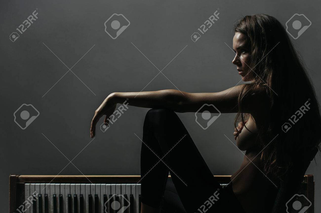 Naked woman on piano high quality #7