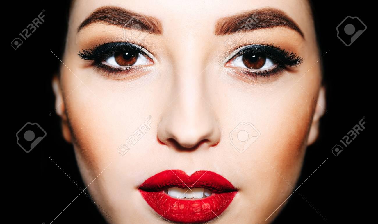 Hübsche Frau Oder Nettes Sexy Mädchen Mit Den Roten Lippen Helle