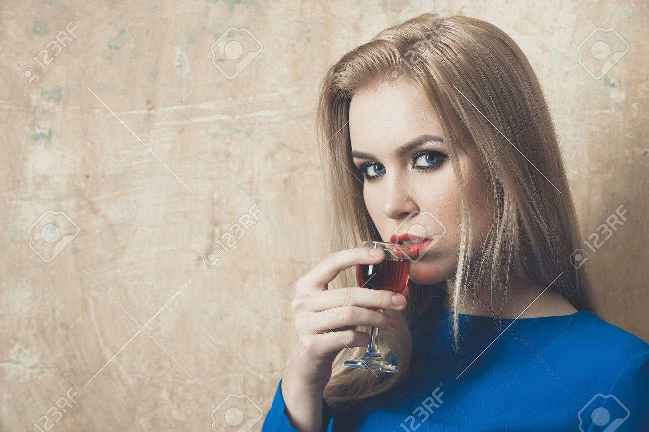 Make Up Zu Blauem Kleid
