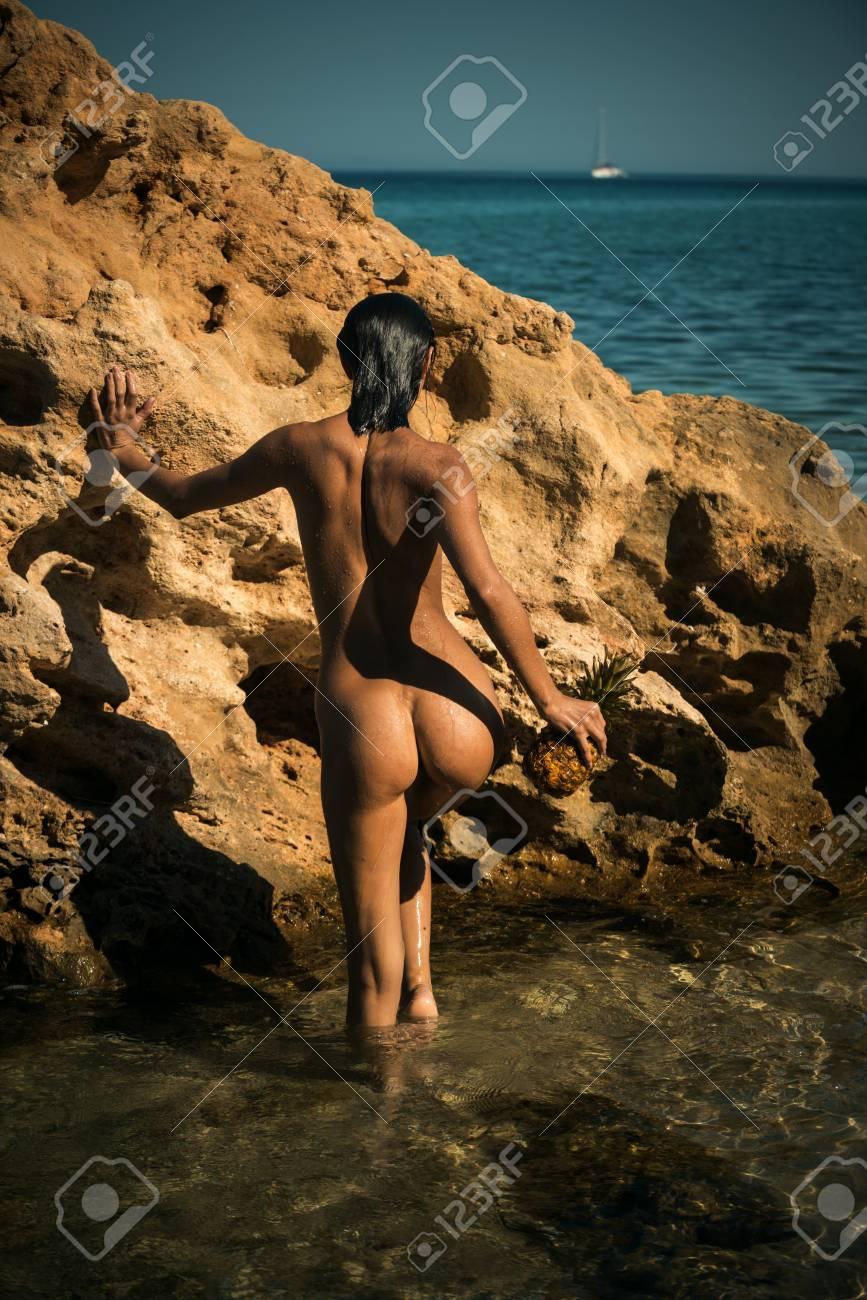 Woman masturbating while watching naked men video
