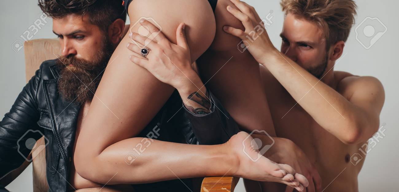 Threesome group sex game. Dominantning in the foreplay sexual..