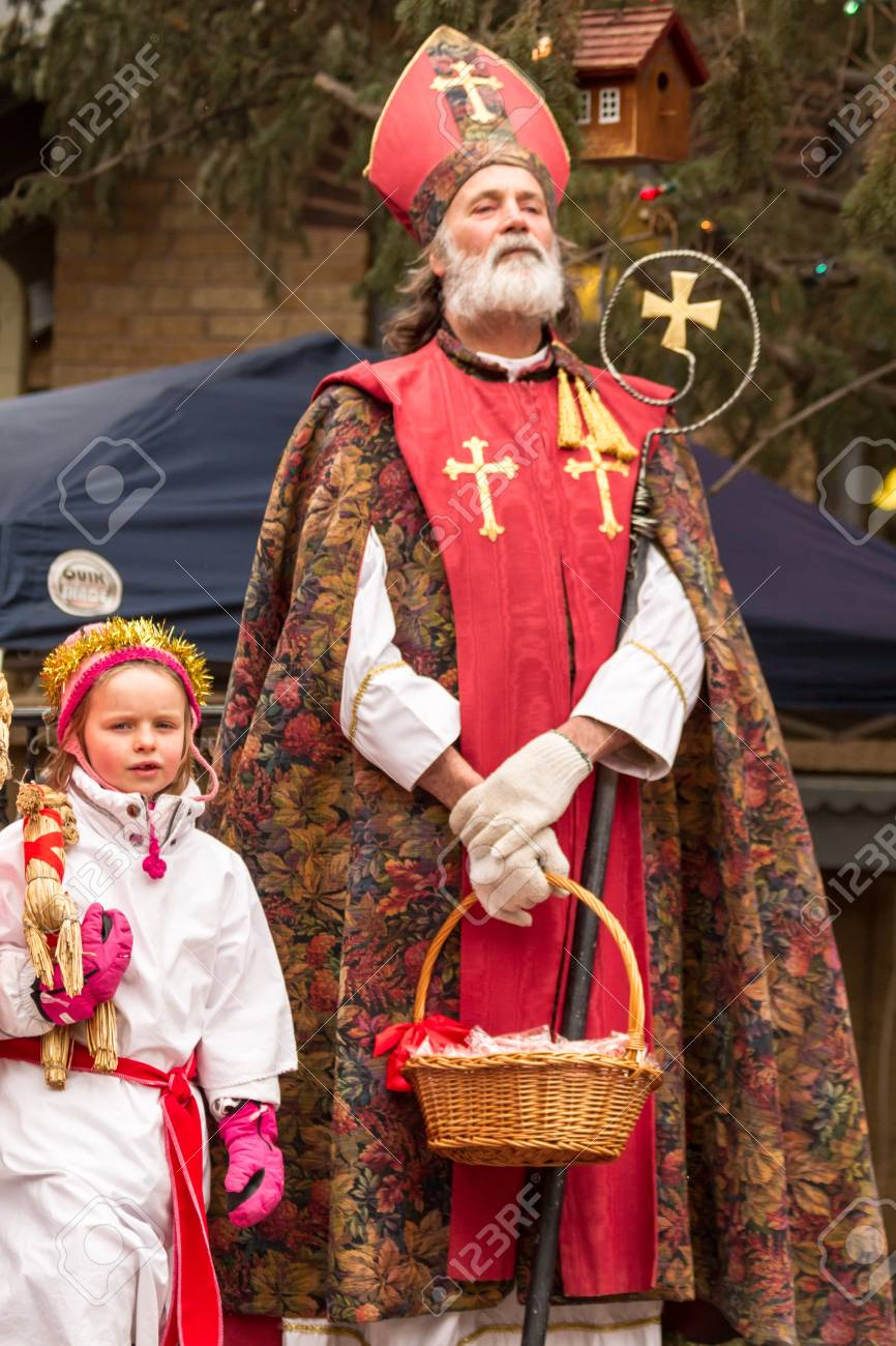 2012 Georgetown Christmas Market and Santa Lucia Childrens Procession Stock Photo - 16944017