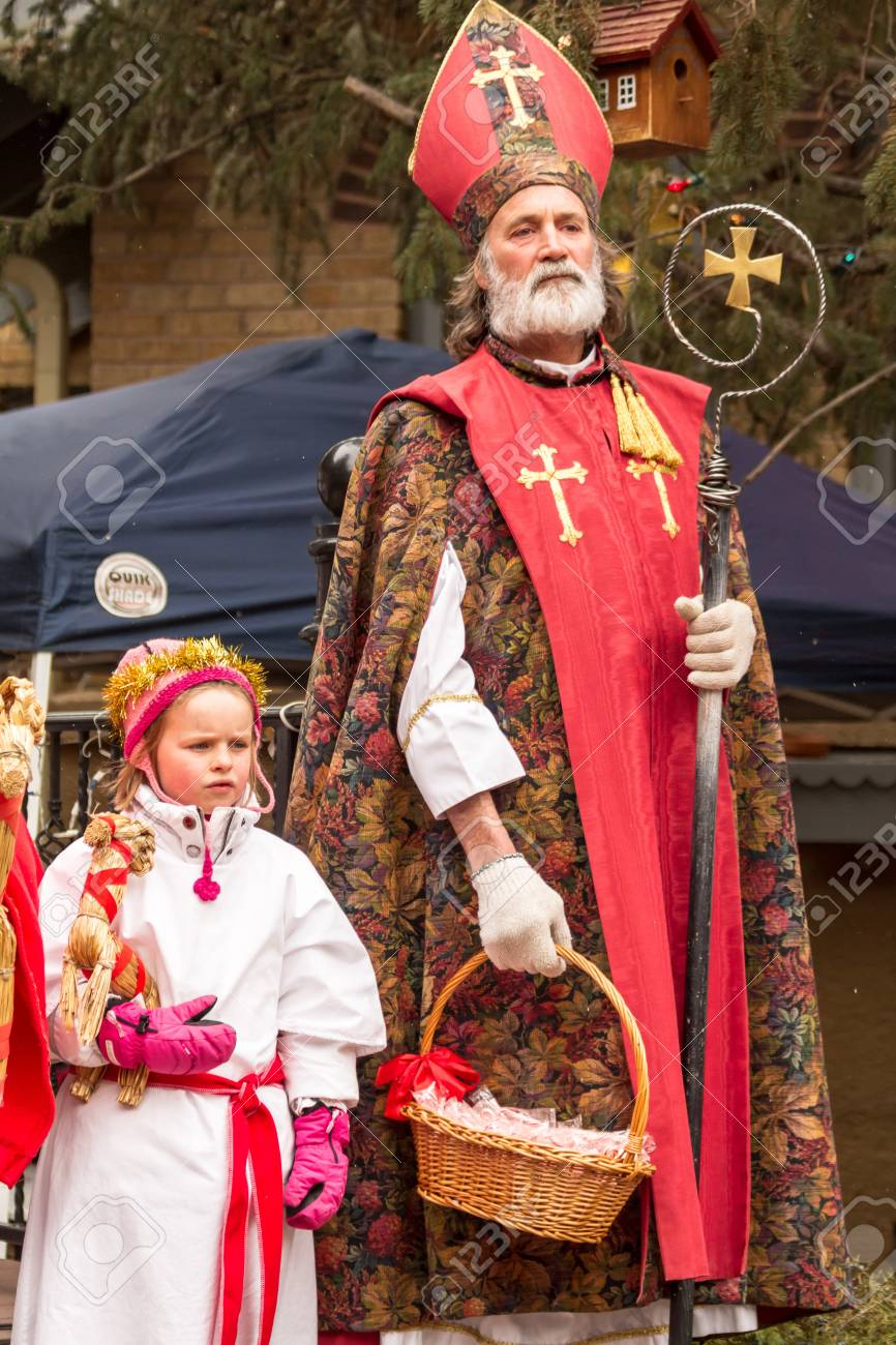 2012 Georgetown Christmas Market and Santa Lucia Childrens Procession Stock Photo - 16961705