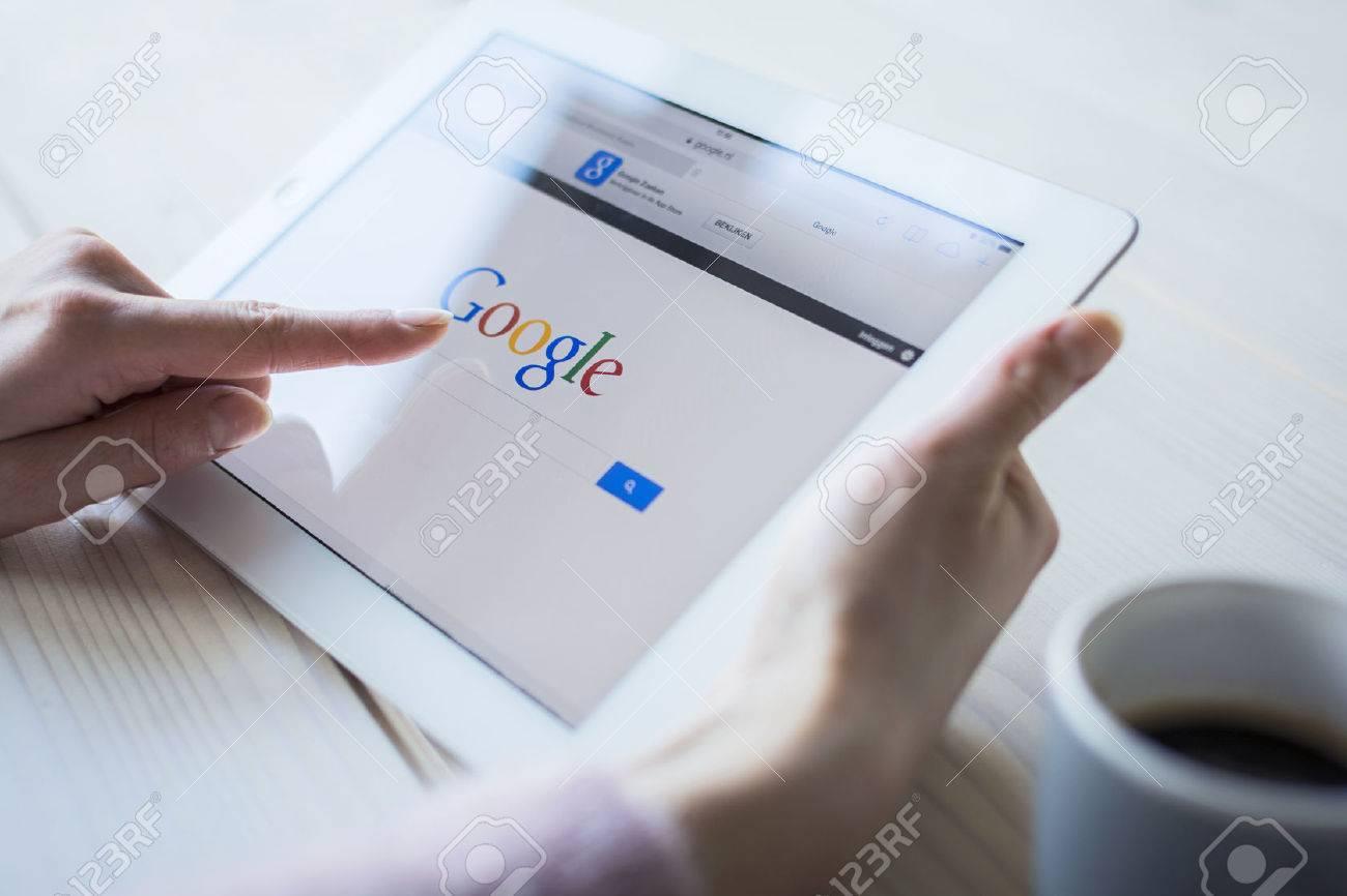 google on iPad - 25694949