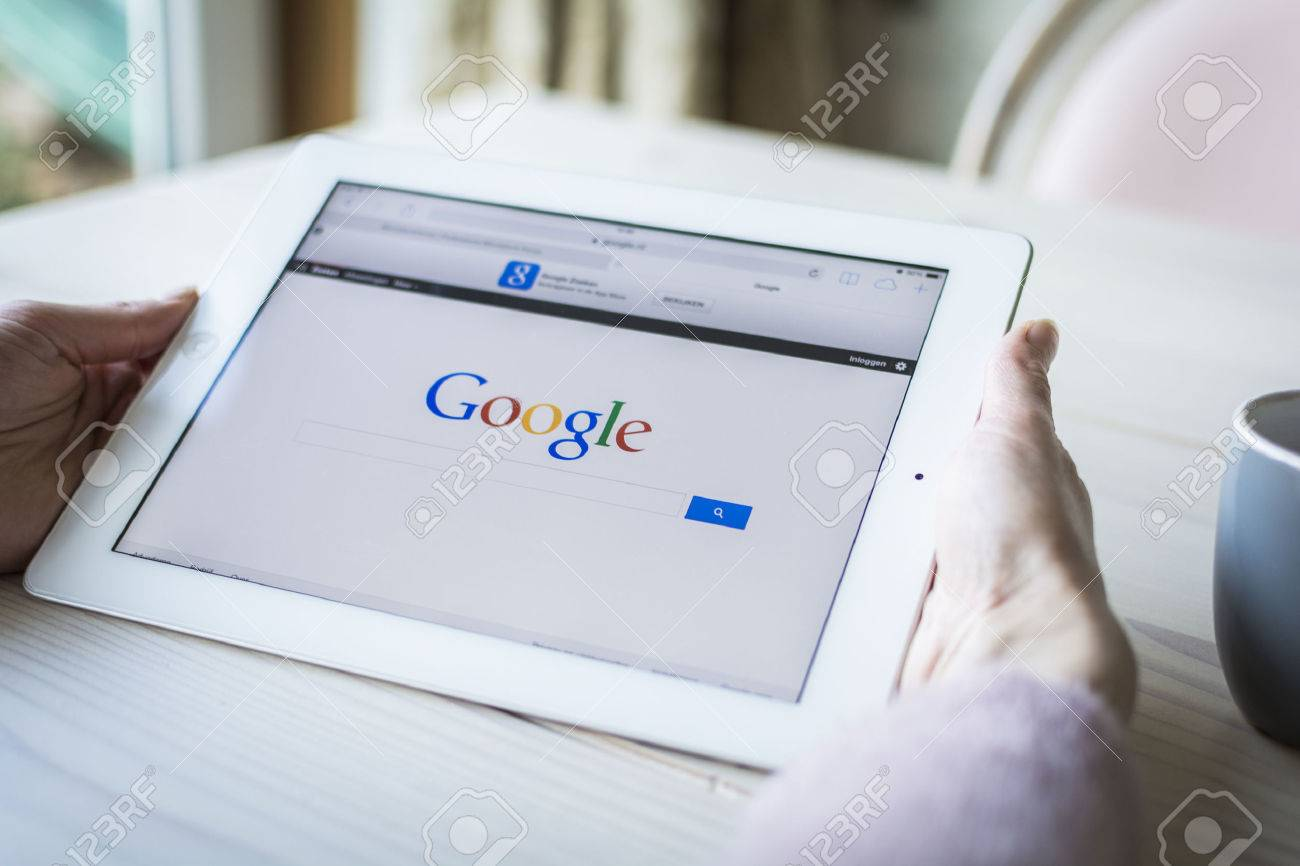Google on iPad - 25694958