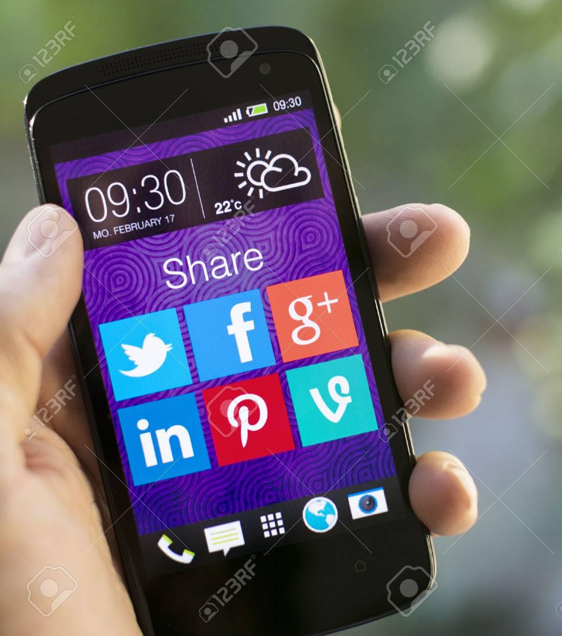 Social media - 26255516