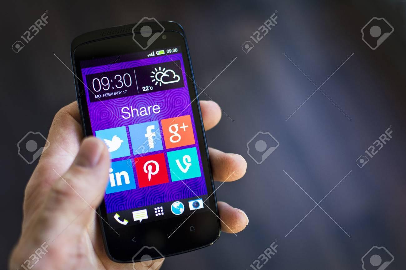Social media - 26255522