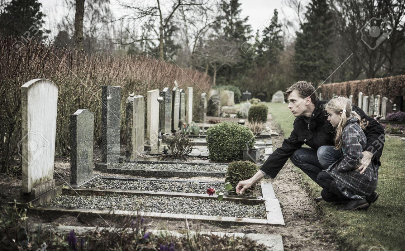 Секс на кладбище фото 14 фотография