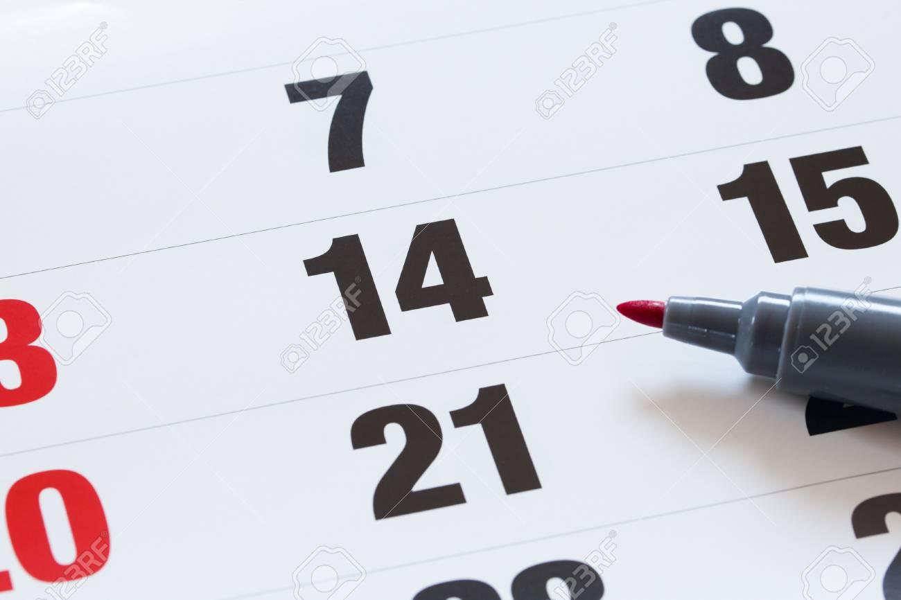 Calendrier Definition.Definition D Une Date Importante Sur Un Calendrier Avec Un Marquage D Un Jour Du Mois Qui Represente L Organisation Du Temps Et Le Calendrier Crayon