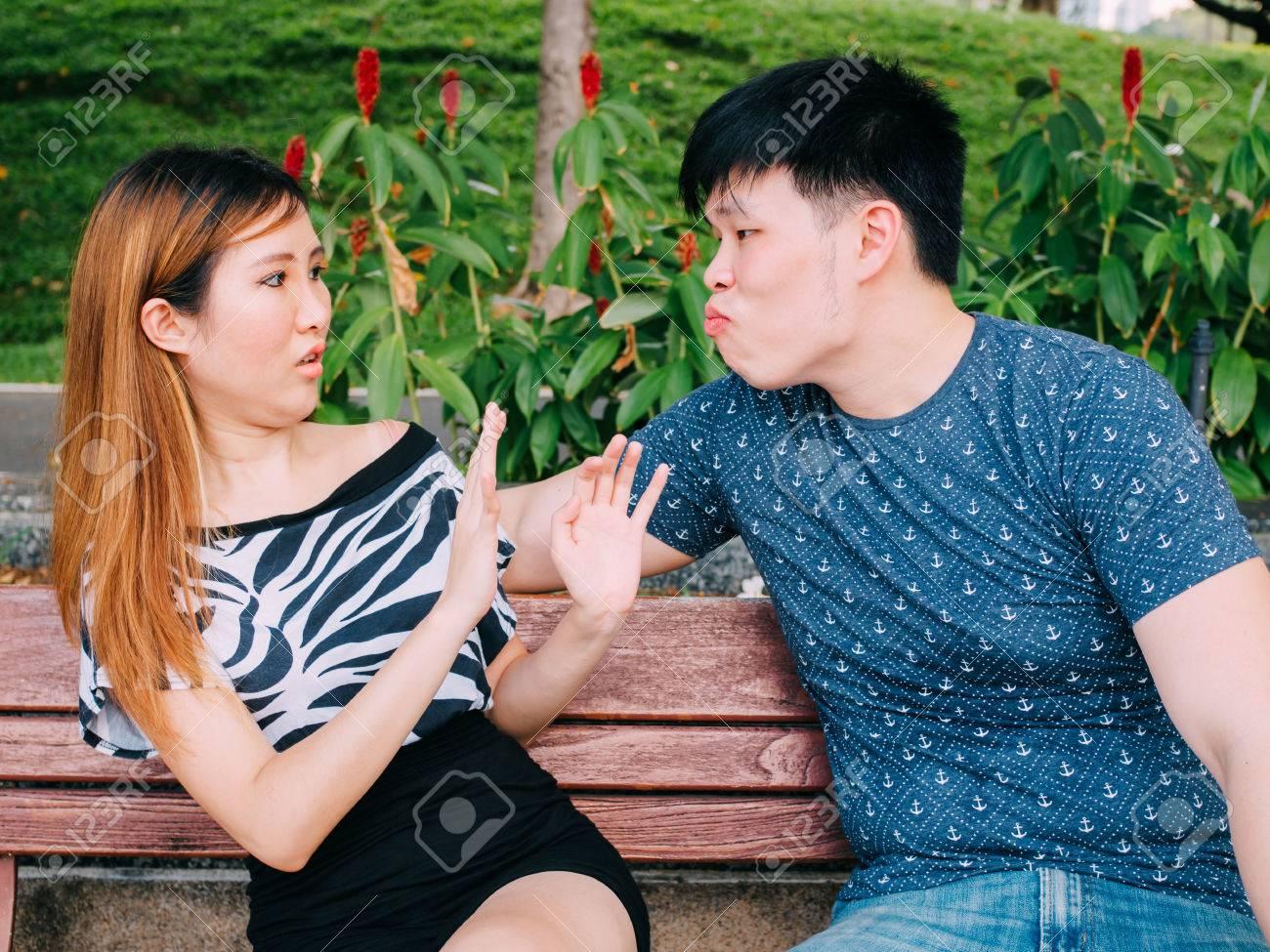 jeunes filles asiatiques ayant des rapports sexuels