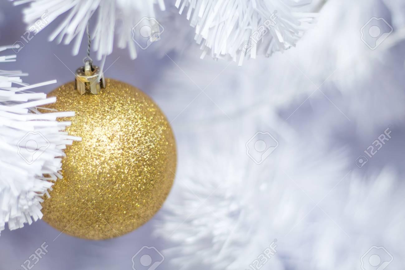 Beau Sapins De Noël Sapin Décoré Avec Des Boules Colorées