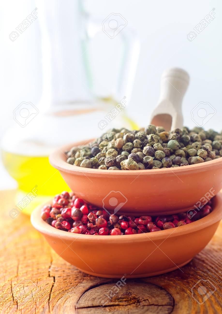 mélange de poivre, d'épices arôme, la couleur poivrons banque d