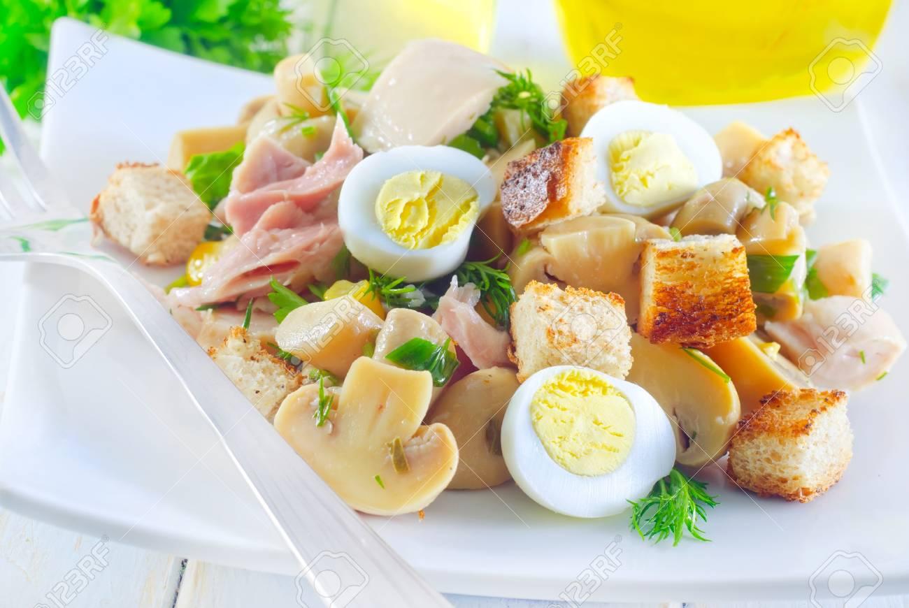 fresh salad Stock Photo - 18303687