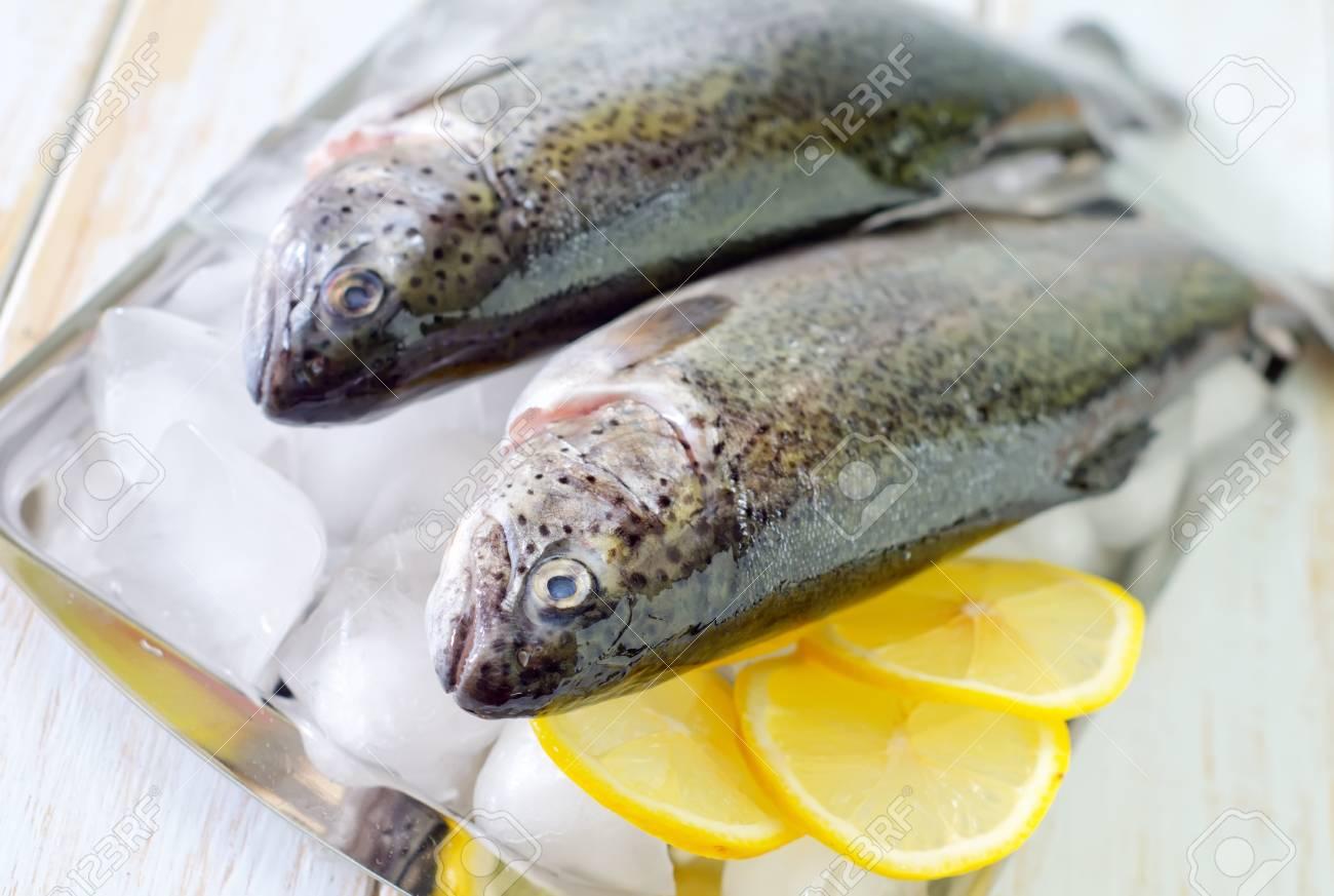 raw fish Stock Photo - 19770397