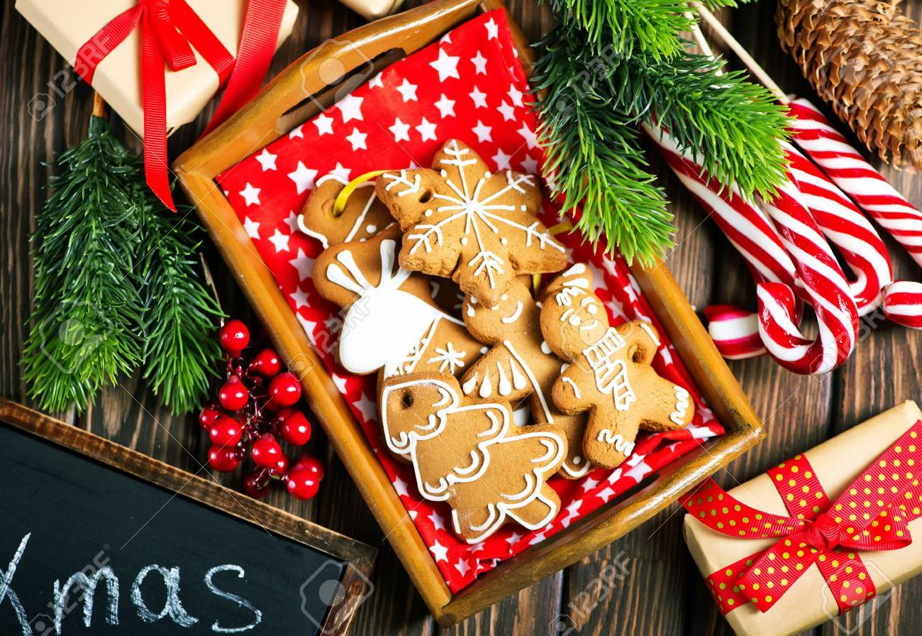 christmas cookies on a table, ginger cookies Stock Photo - 87414504