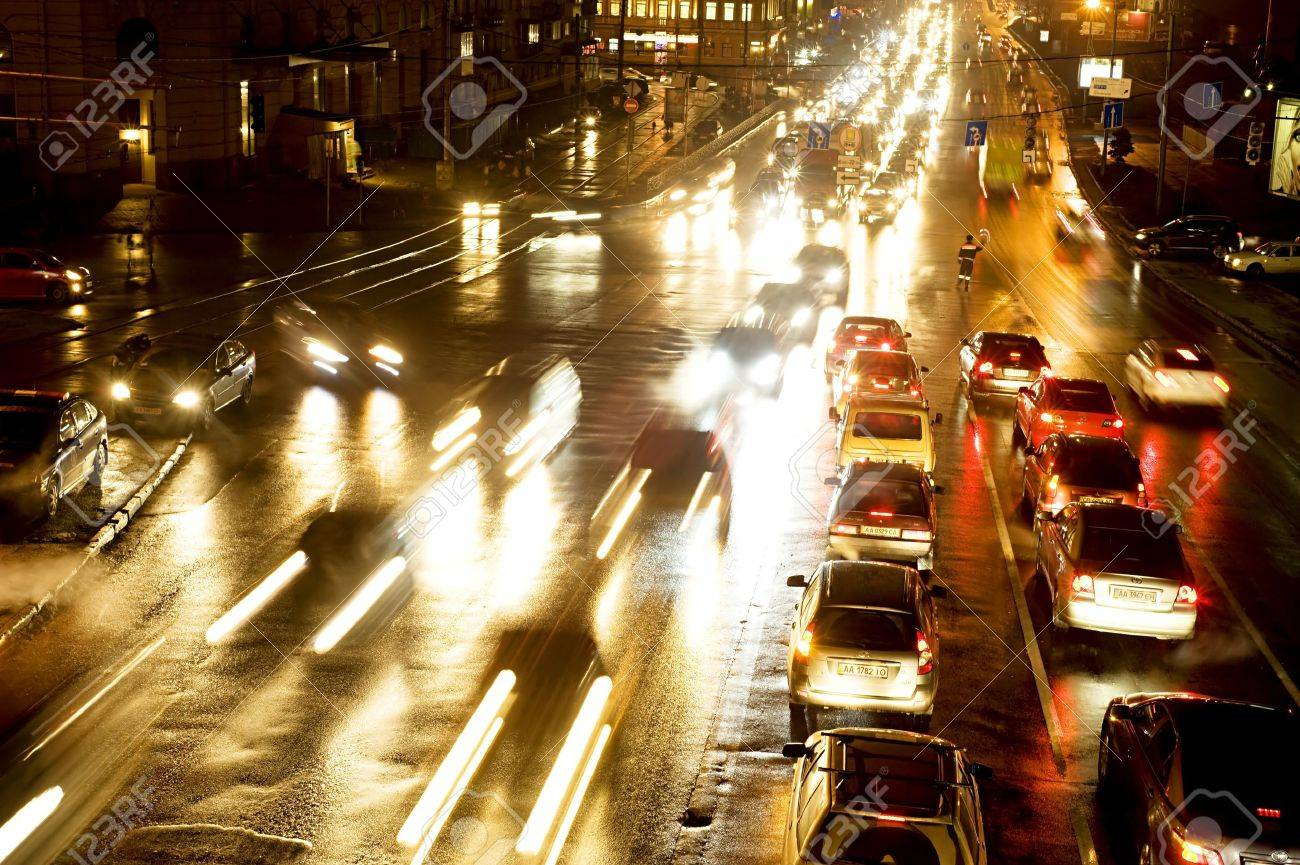 Kiev, Ukraine - January 11, 2011: Night traffic on Podol quay in Kiev Stock Photo - 10499968