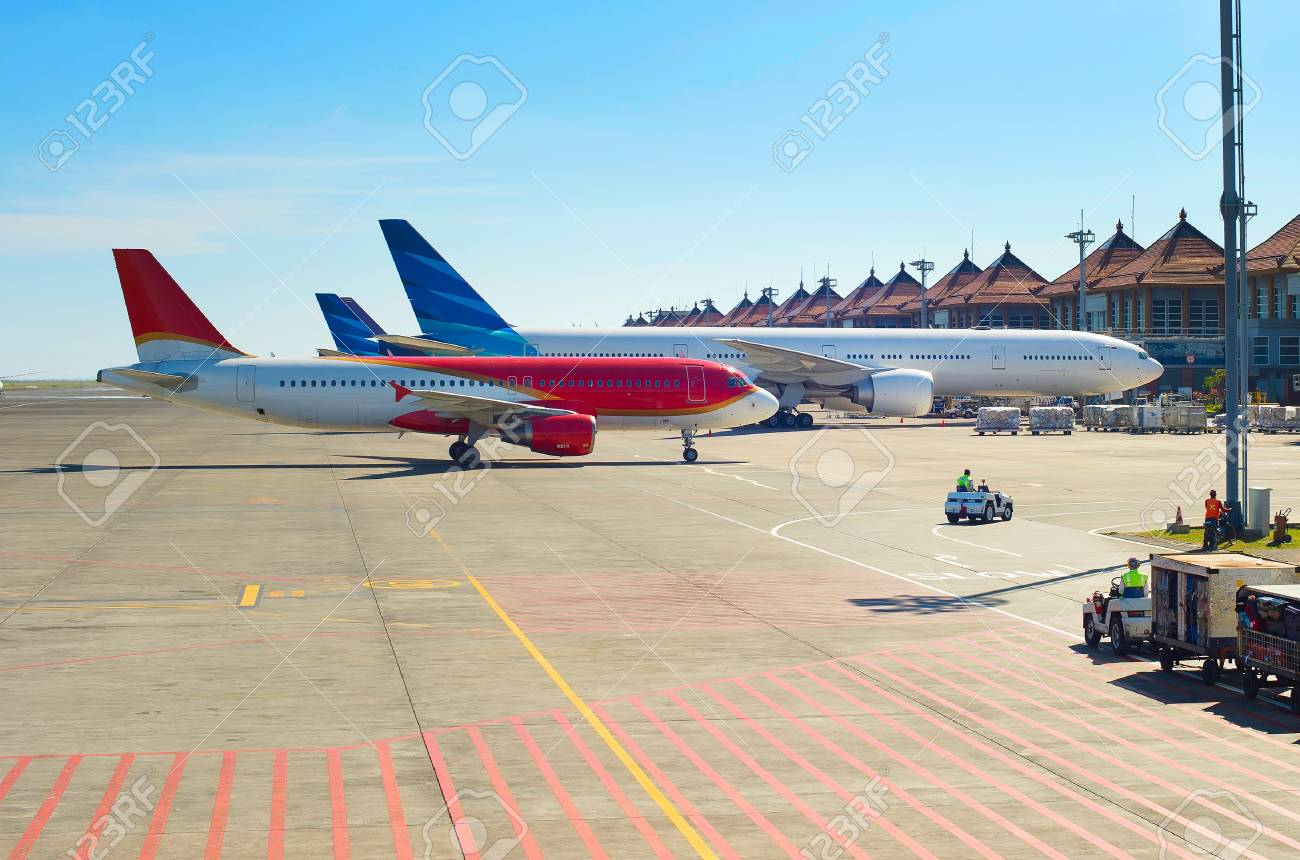 Aeroporto Bali : View of airport in the sunshine day bali island indonesia stock