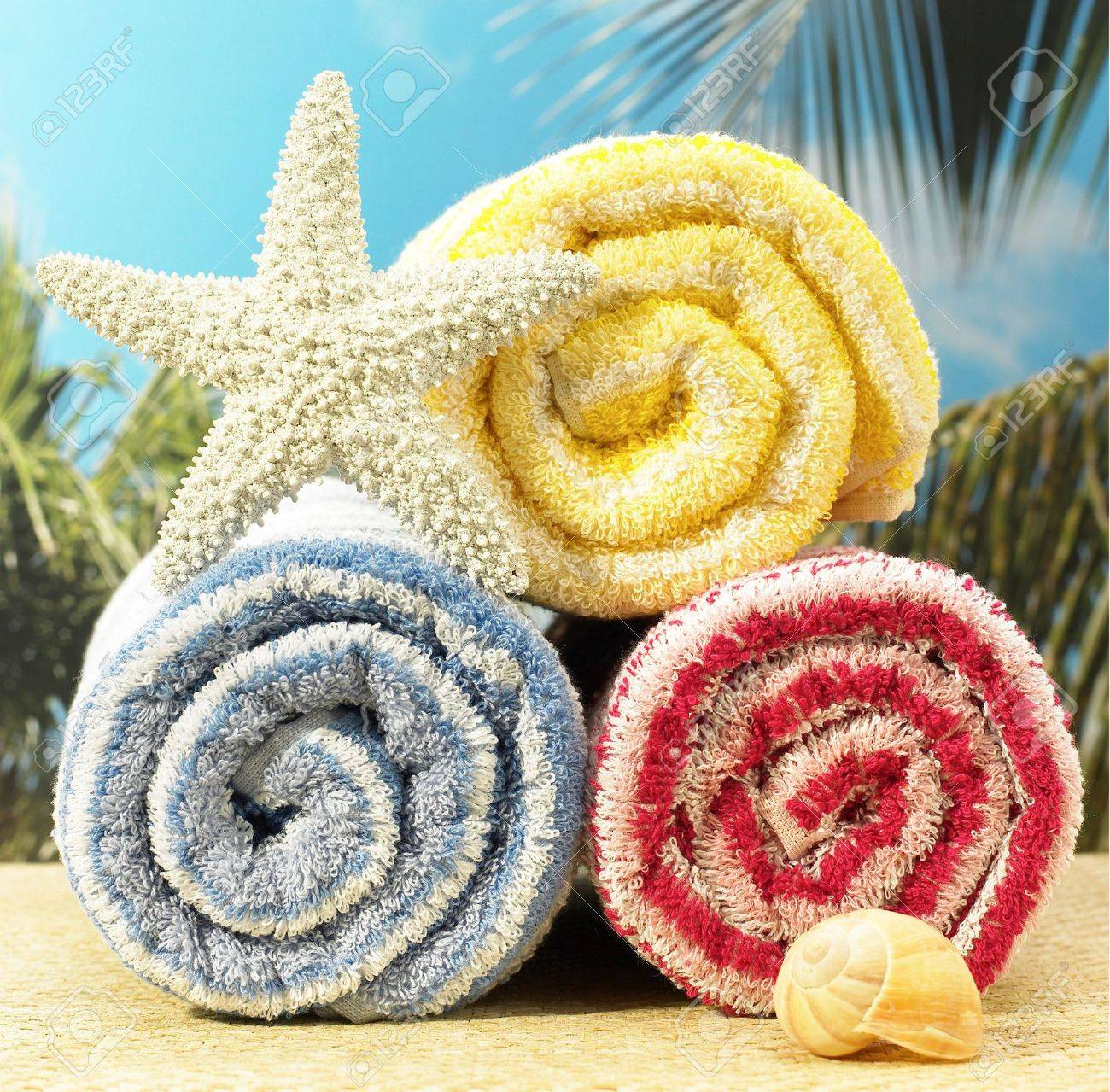 towels on beach Stock Photo - 461588
